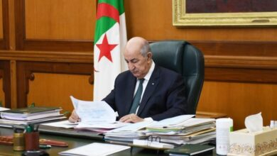 صورة تبون يوقع مرسوما رئاسيا يتضمن إنشاء المرصد الوطني للمجتمع المدني