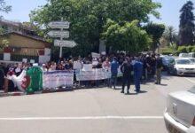 صورة مكتتبو عدل 2 أصحاب الطعون يحتجون
