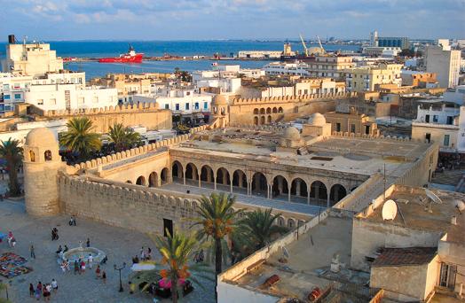 حجر بتونس