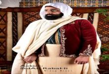 صورة سيد علي رباحي يُحاكي شخصية الأمير عبد القادر في جلسة تصوير