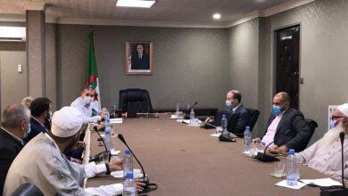 صورة اجتماع تنسيقي بين اللجنة الوزارية للفتوى واللجنة العلمية لرصد ومتابعة كورونا