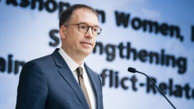 صورة نائب وزير خارجية ألمانيا في زيارة إلى الجزائر