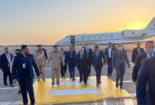 صورة لعمامرة يصل إلى طرابلس للمشاركة في مؤتمر دعم استقرار ليبيا